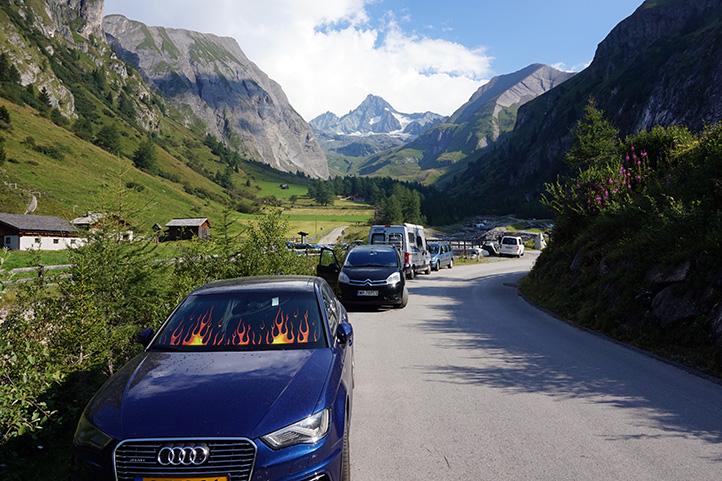 początek wejścia na Großglockner, droga na parking pod schroniskiem Lucknerhaus