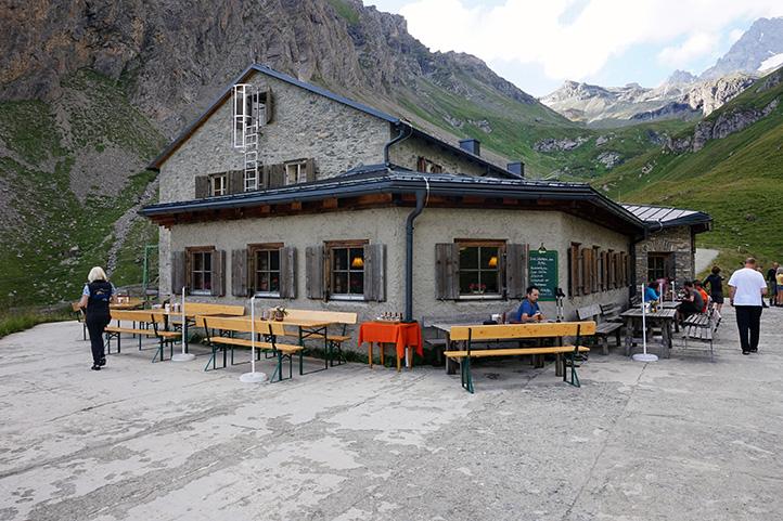 schronisko Lucknerhutte (wysokość 2241 m)