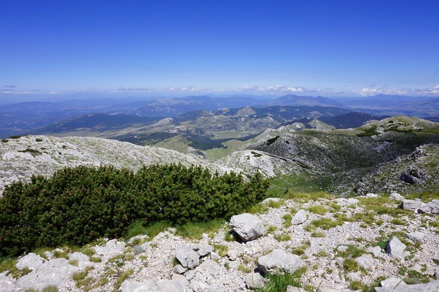 widok ze szczytu Vrh Dinare na stronę chorwacką