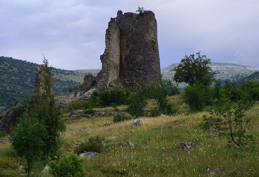 ruiny zamku, szlak na szczyt