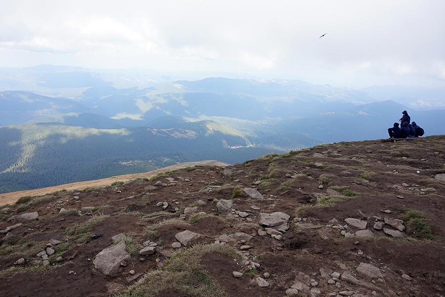 widok ze szczytu Howerla, 2061 m n.p.m. na północną część Beskidów Wschodnich