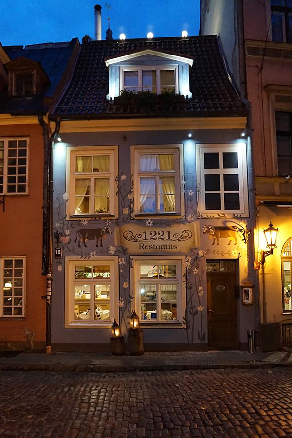 Szwajcarska restauracja Alpenrose