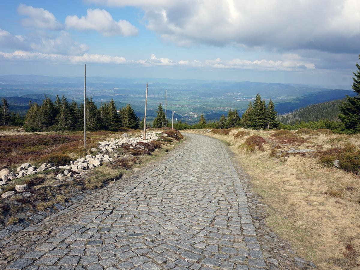 droga w stronę Strzechy Akademickiej, zejście ze Śnieżki