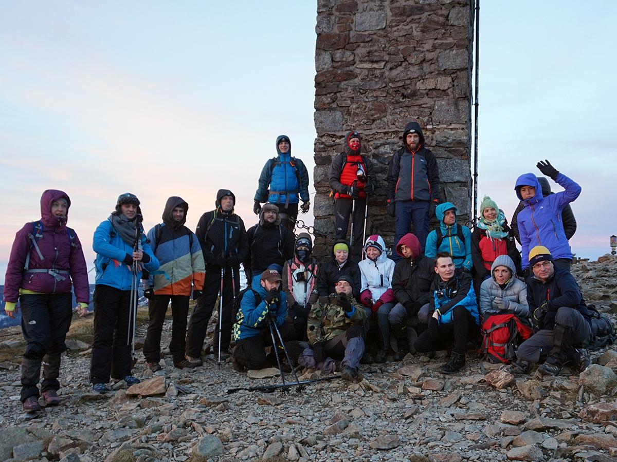 X nocne wejście na Śnieżkę, ekipa która dotarła na szczyt !