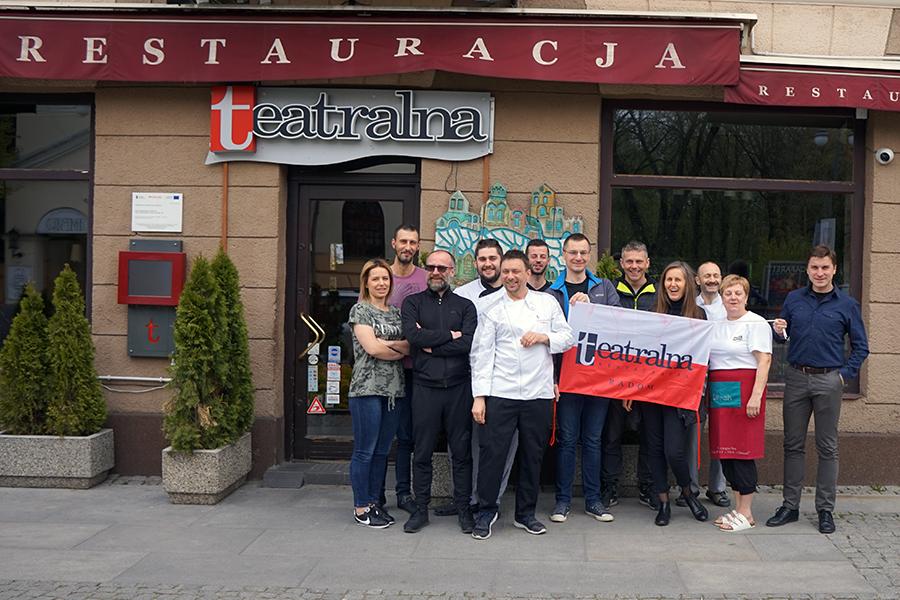 Restauracja Teatralna w Radomiu. Wspaniała ekipa, świetni fachowcy.