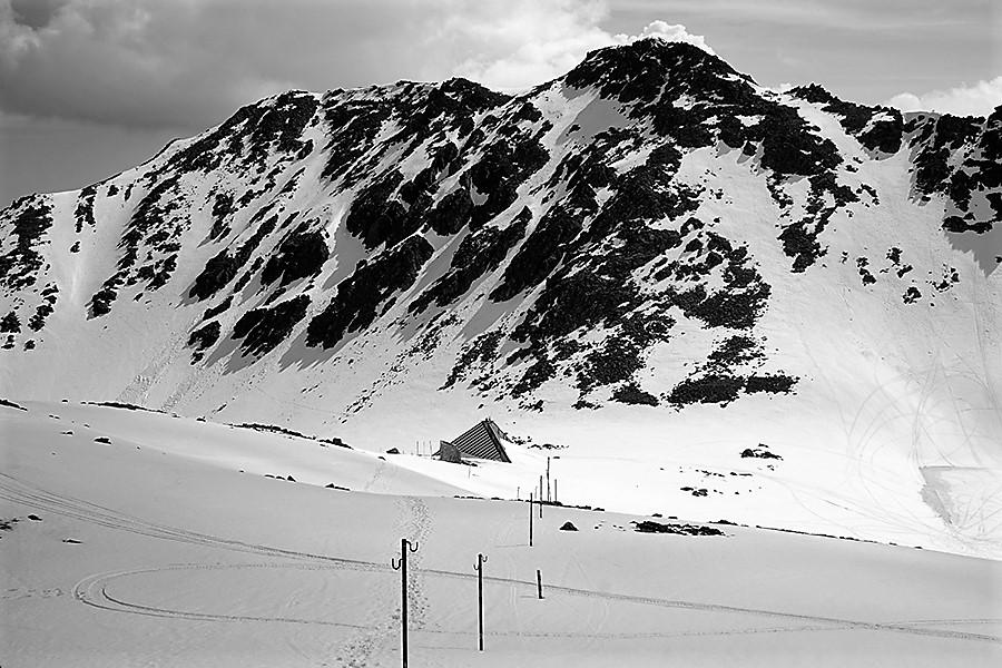 """trawers w drodze do schronu """"Lodowe Jezioro"""" (bułg. Заслон """"Ледено езеро""""; 2720 m n.p.m.)"""