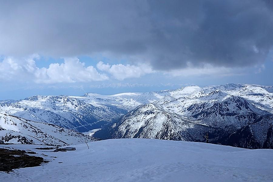 najwyższy szczyt Bułgarii, Musała 2925 m n.p.m. w tle panorama południowa