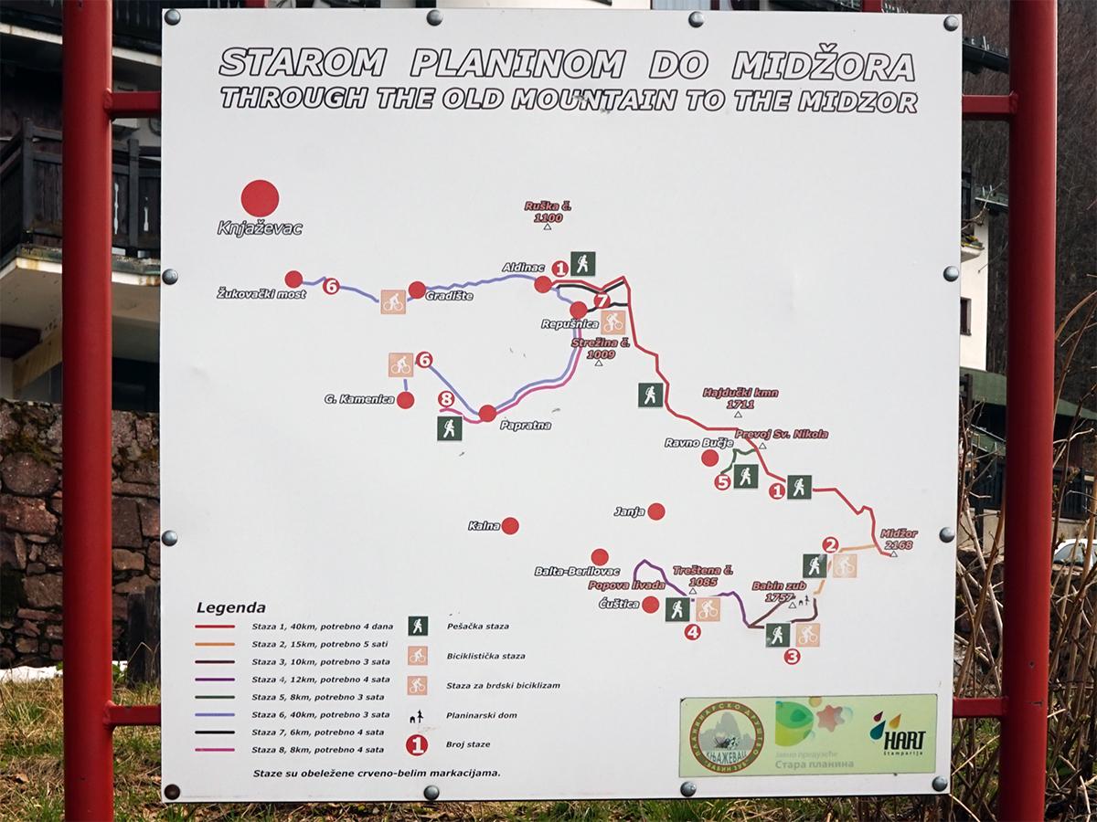mapa lokalnych szlaków pieszych i rowerowych z Babin Zub