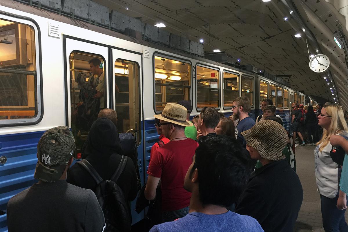 kolejka / tramwaj startujący z Zugspitzplatt