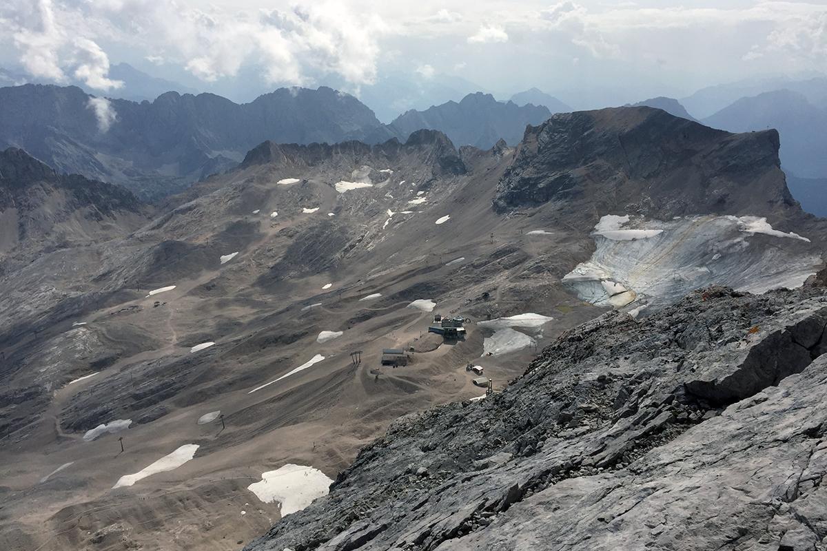 widok na stronę Austrii z największego szczytu Niemiec