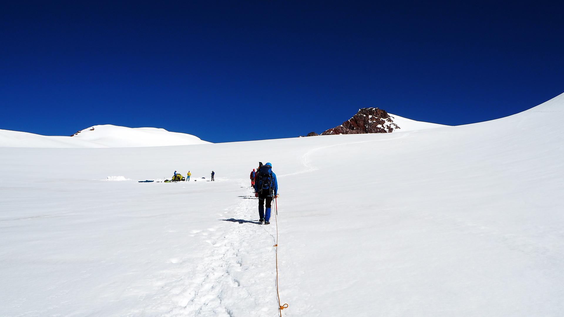 Kazbek - małe plateau, aklimatyzacja