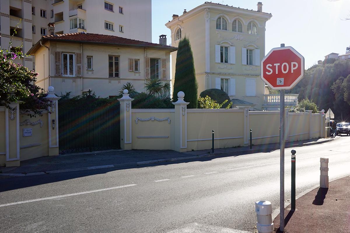 ulica dzieląca państwo Monako od Francji, na szczyt możemy wjechać autem