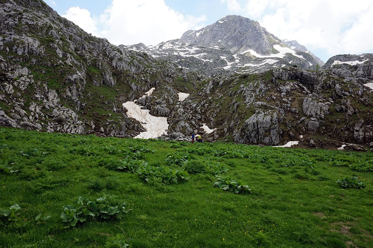 pierwsza płaska polana w drodze na szczyt