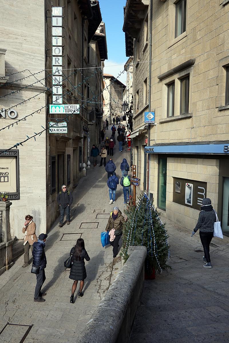 uliczki na starym mieście w San Marino