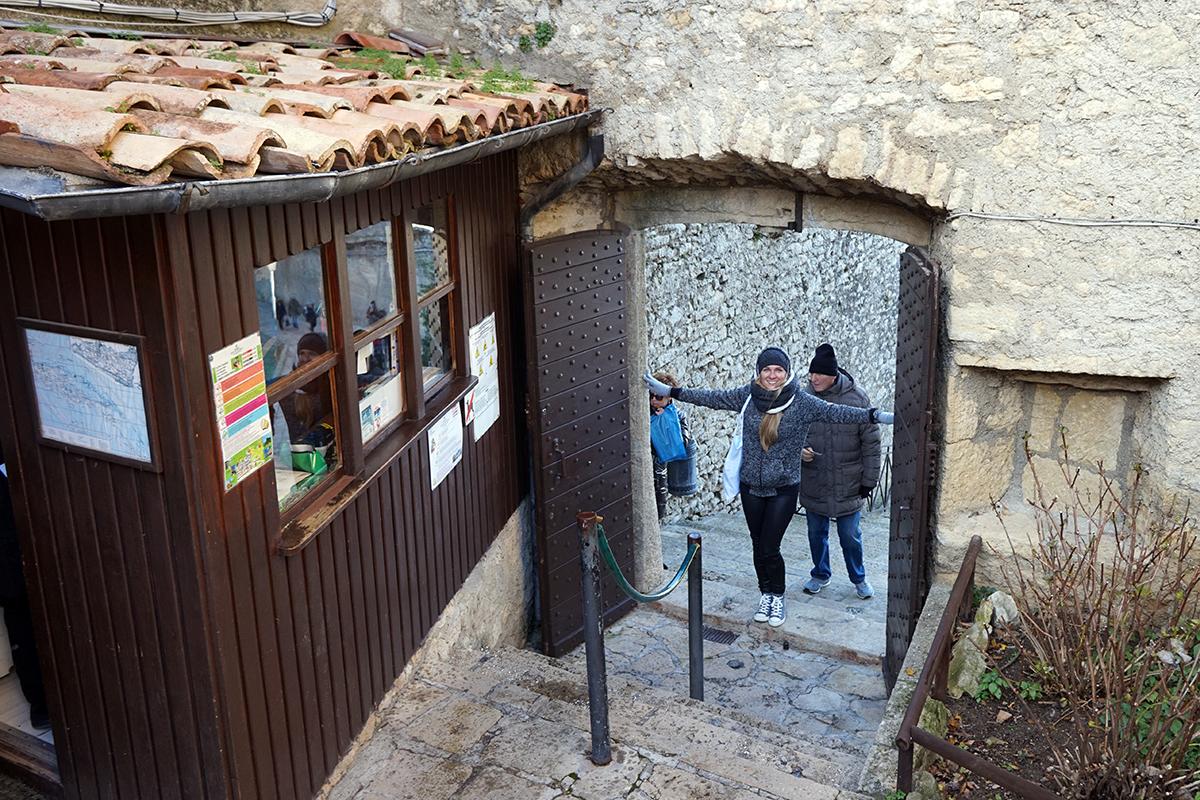 kasa i wejście na najwyższy punkt San Marino - wieżę Cesta (739 m n.p.m.)