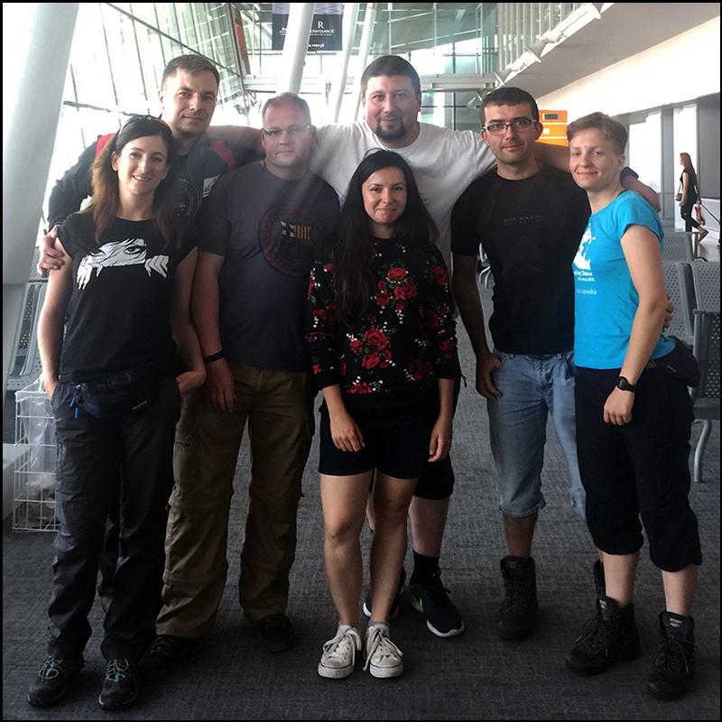 ekipa rosyjska: Lidka, Dawid, ojciec Maciej, Michał, Marcelina, Karol i Katia